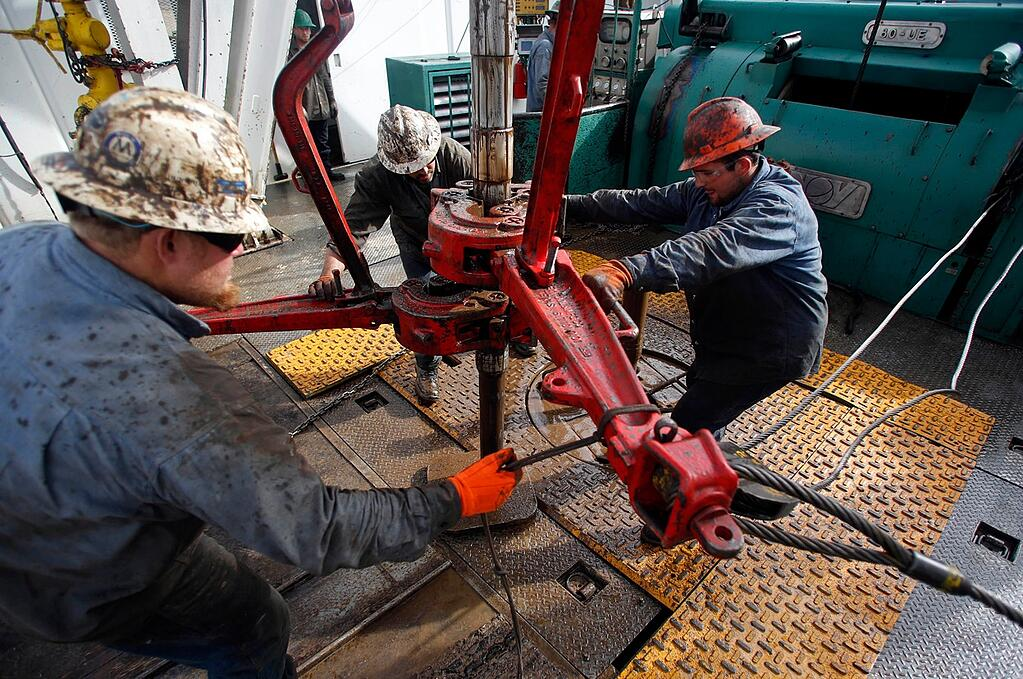 Oil team working together