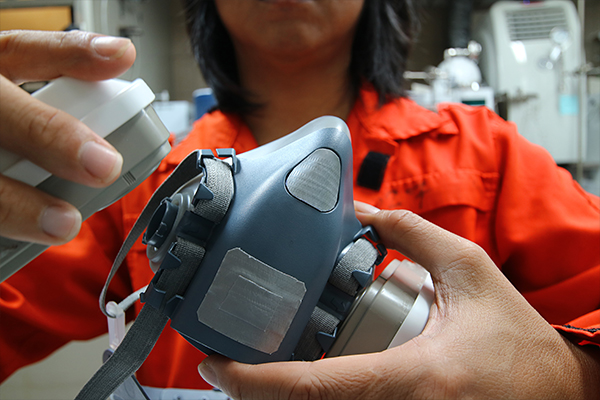 RMI Respirator Image 3