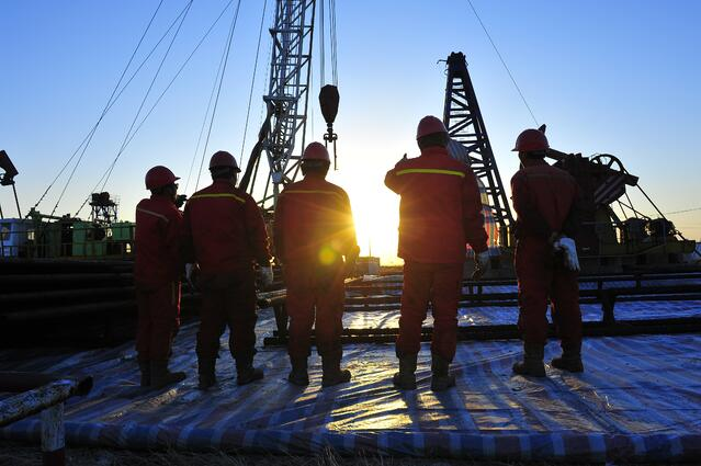 FR clothing requirements for oil and gas workers