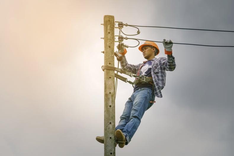 municipal worker lineman